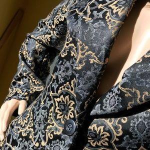 EUC, Classiques Entier Brocade Pattern Coat